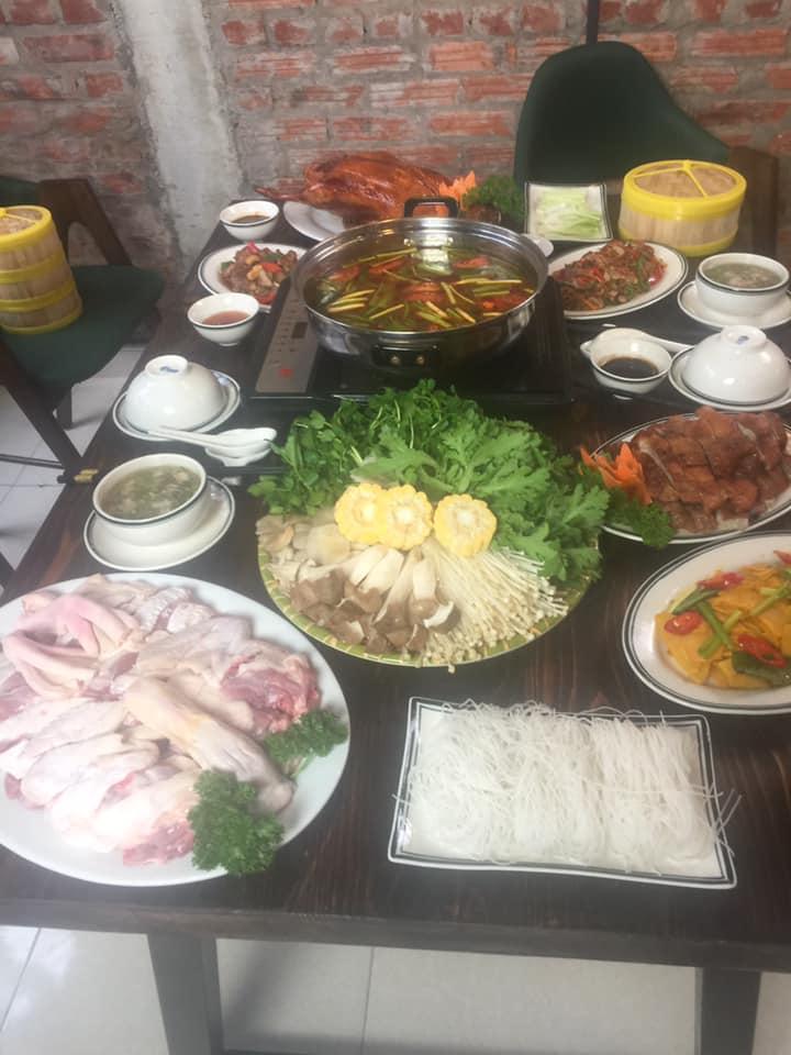 Những món ăn của Nhà hàng rất đa dạng và sạch sẽ
